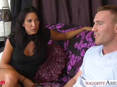 Voluptuous friend's mom Lezley Zen allows to penetrate say no to mouth added to pussy