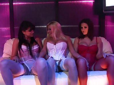 Austin Kincaid lesbo orgy with 3 European pros