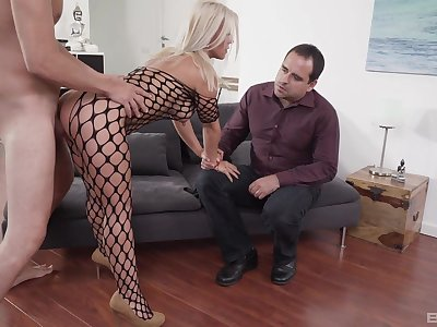 Blonde wife appears in a wild threesome with hubby and a stud