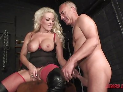 Blonde milf loves an obstacle senior man's dick in her arse