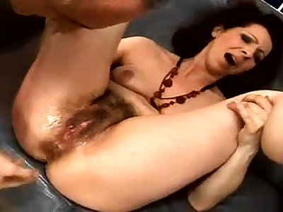 Close roughly making out for a hairy pussy