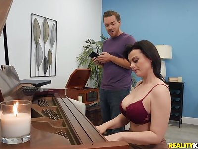Piano teacher Nadia White gets fucked by undesigned student