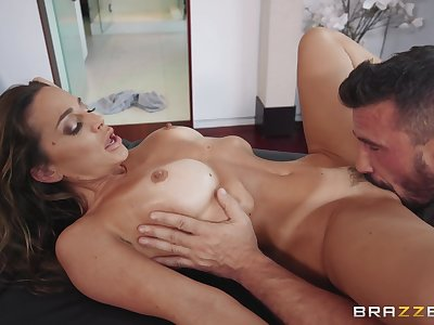 Classy mom enjoys oral sex before a nasty fuck session