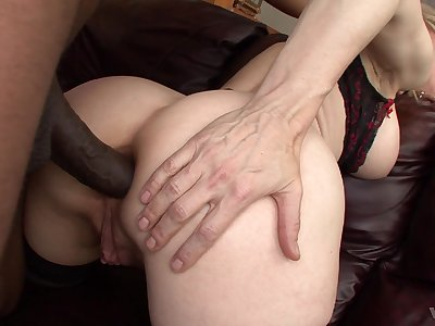 MILF goes extreme with the BBC together with tries insane anal