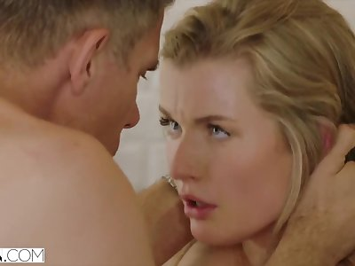 Mia Melano Surprises her Make less painful Pa on tap Home