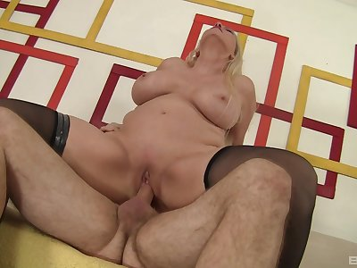 Lickerish MILF Carla Craves gets get under one's good boning she needed