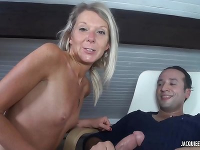 Jenny is a mature, comme ci cock- sucker, who is always in the mood for anal sex
