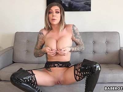 Solo JOI expert, Karma RX is teasing from home, in 4K