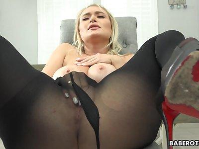 Solely blonde girl, Natalia Starr is masturbating, in 4K