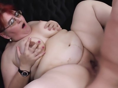 Fat old mature BBW used by young guy