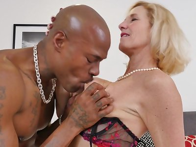 British Temptress Molly Maracas Goes Interracial - MatureNL