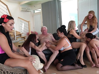 Full orgy with some superannuated women keen to live their lifes