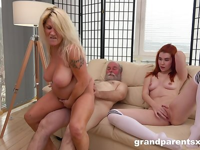 Mature with fat ass and big tits, crazy home porn with hubby and their niece