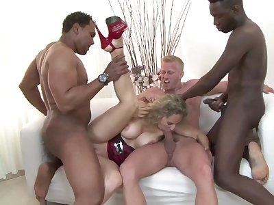 Mature slut Ameli C opens her legs for interracial gangbang